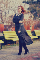 charcoal gray long derin dress - black swede stone creek boots