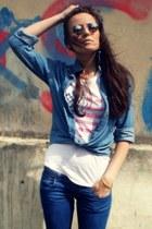 navy Bershka jeans - blue new look shirt - white outlet t-shirt