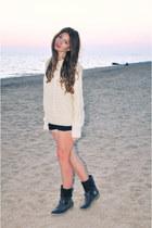 cream H&M sweater