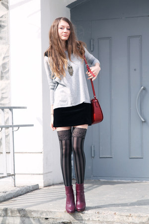 black OASAP tights - owl OASAP necklace