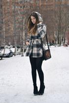Monton coat