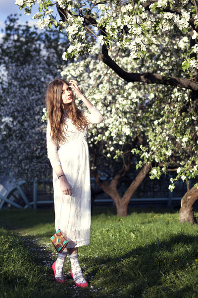 white lace OASAP dress