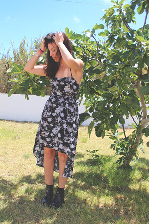vagabond boots - Oneill dress