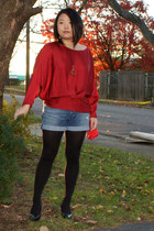 red Lulus shirt - sky blue Joes Jeans shorts - black Assets tights - black Sofft