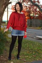 red Lulus shirt - sky blue Joes Jeans shorts - black Assets tights - black Sofft