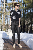 Chic outfit for spring: Equipment Reese floral silk blouse with black leather sk