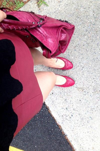 leather Balenciaga city bag bag - leather madewell skirt - leather Chanel flats