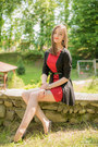 Red-poema-dress-black-new-yorker-cardigan-black-meli-melo-bracelet