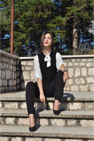 black New Yorker blazer - white Zara shirt - black New Yorker pants