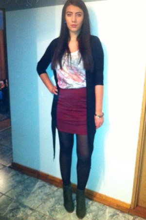 New Yorker skirt - Deichmann shoes - random brand blazer - Bershka t-shirt