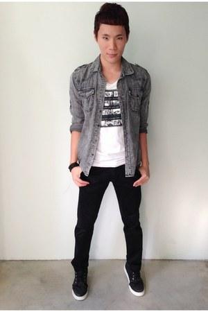 black Vans boots - gray denim Option shirt - black fitted Chota pants