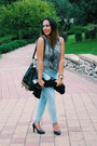 Light-blue-jeans-zara-jeans-black-bucket-moschino-bag-heather-gray-h-m-top