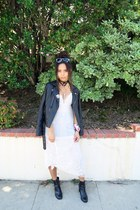 black choker Nasty Gal necklace - black ankle boots H&M boots