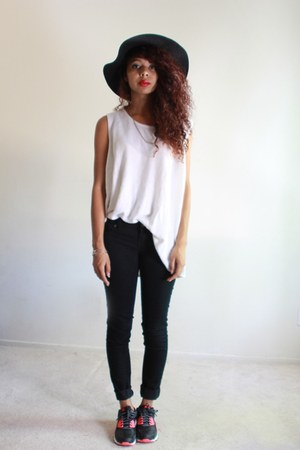black wool Calico hat - white basic thrifted top - black skinny Blue spice pants