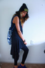 Black-urban-relaxation-hat-turquoise-blue-bag-black-very-vile-top