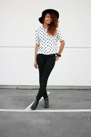 white polka dots h&m divided top - black ankle boots H&M boots