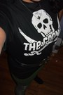 Black-slouchy-boots-goonies-tee-shirt-heather-gray-old-navy-tights-black-v