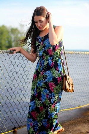 floral  maxi One Clothing dress - gold Nine West sandals