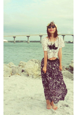Forever 21 skirt - ray-ban sunglasses - lace croptop Forever 21 top