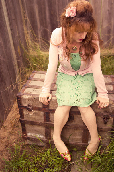 lime green vintage dress - pink vintage flats