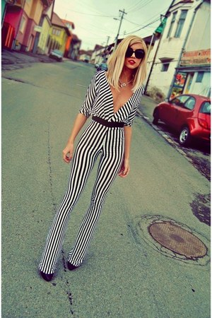 black in stripes Atelier Jaisse romper - beige baroc Prada sunglasses