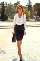 white silk No1 shirt - black clutch Rinascimento bag
