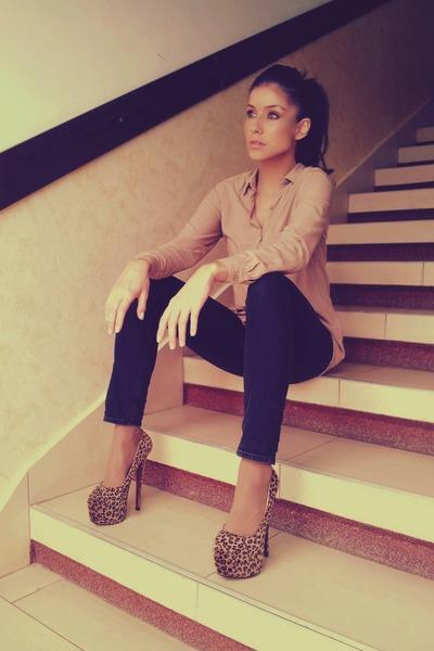 tan chiffon Bershka shirt - black skinny Zara jeans - brown platform Bebo heels