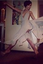 beige designer Roxana Simon dress - tan patent Boho heels