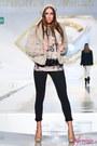 Black-bsb-jeans-dark-brown-bsb-blouse-tan-bsb-heels