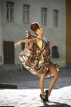 pink custom Roxana Simon dress - light brown hairstyle Andrea Simon accessories