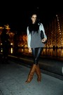 Brown-boots-black-leggings-gray-top-silver-blazer-black-geroges-bag