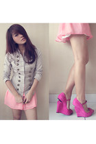 bubble gum Moschino wedges