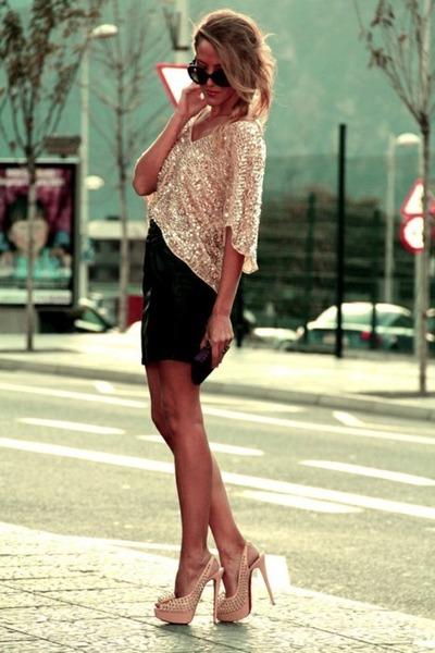 Light-pink-sequin-zara-top-tan-studded-christian-louboutin-heels_400