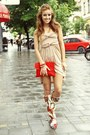 Crimson-summer-raus-boots-tan-cotton-raus-dress-ruby-red-velur-raus-bag