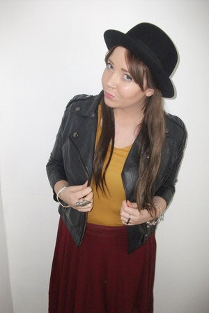 thrifted hat - Topshop vest - pleated Topshop skirt