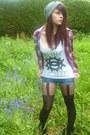 Heather-gray-grey-drop-friend-hat-red-george-shirt-dark-gray-ebay-tights