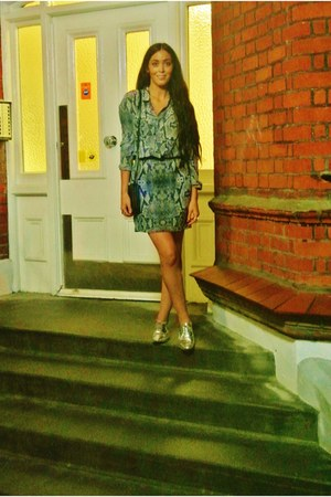 snakeskin The Kooples skirt - silver brogues Zara shoes - trio bag Celine bag