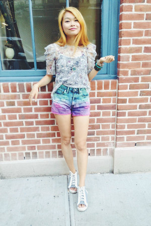 gypsy warrior shorts - Buffalo Exchange top