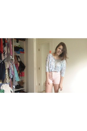 aquamarine Forever 21 shirt - light pink highwaisted thrifted shorts