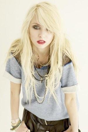 bracelet - black shorts - silver t-shirt - wedges - nude necklace