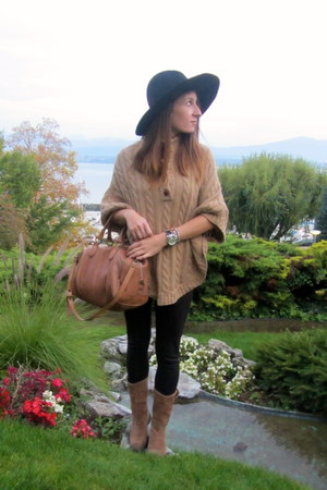 camel massimo bag - Coco&Abricot boots - H&M hat - Zara leggings - Swatch watch