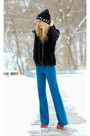 H&M hat - Zara vest - Tahari pants - Aldo heels