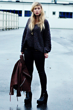 dark gray knitted Zara sweater - black busted Jeffrey Campbell boots