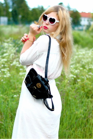 white Dry Lake dress - black backpack Doortje vintage bag - white heart shaped 8