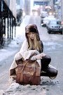 Ivory-camilla-norrback-cardigan-brown-wera-bag
