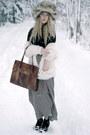 Silver-vintage-hat-white-bik-bok-cardigan-white-moms-skirt