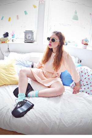 black creepers Jeffrey Campbell shoes - light pink &amp; other stories dress