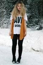 white Katherine E Hammet t-shirt - mustard Monki vest