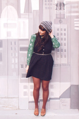 black modcloth dress - heather gray crochet thrifted hat - brown HUE tights - da