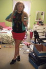 Red-h-m-skirt-black-ribs-and-heart-delias-t-shirt
